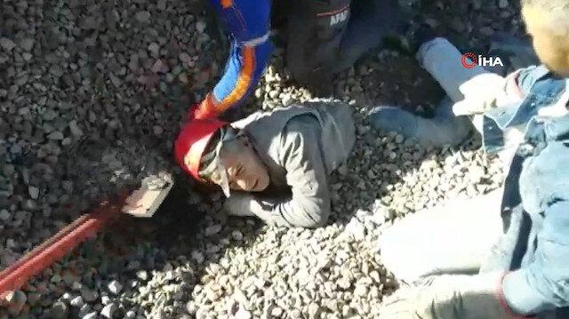 Boğazına kadar gömülen işçinin kurtarılma anları