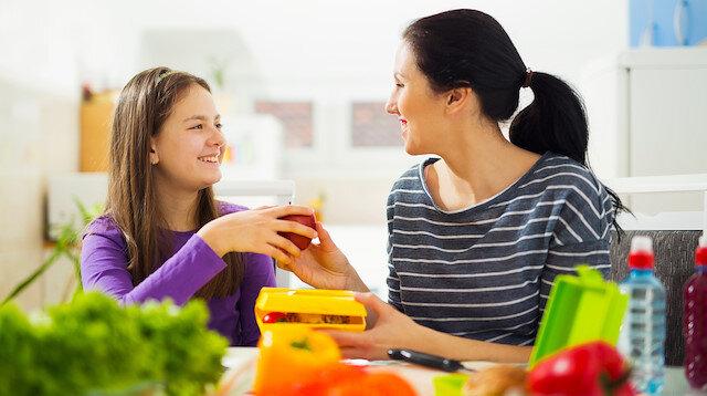 Ergenlik dönemindeki çocuğa nasıl davranılmalı 30