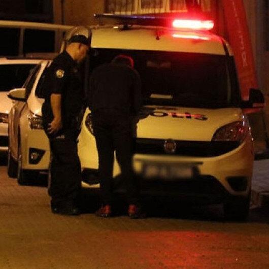 Polis içeriye girdiğinde 3 genci yerde yatarken buldu