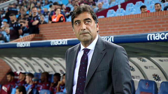 Trabzonspor Teknik Direktörü Ünal Karaman.