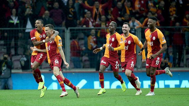 Galatasaray Devler Ligi'nde çıktığı 3 maçta 4 puan topladı.