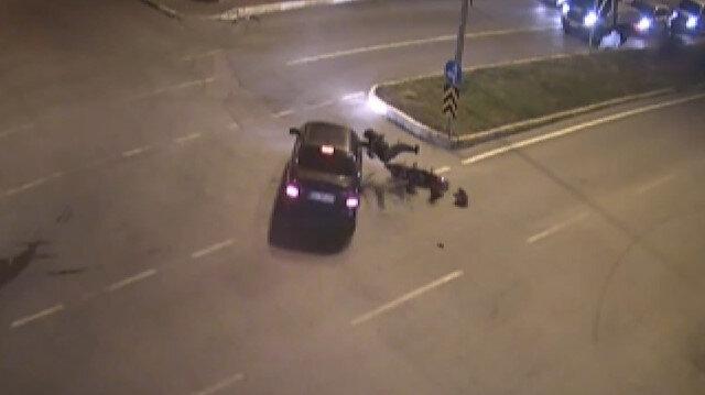 Motosikletten fırlayan sürücü kaldırıma çarparak hayatını kaybetti
