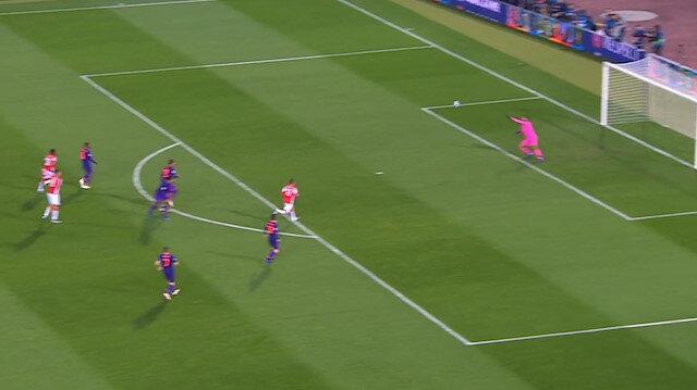 Kızılyıldızlı Pavkov'dan Liverpool'a müthiş gol