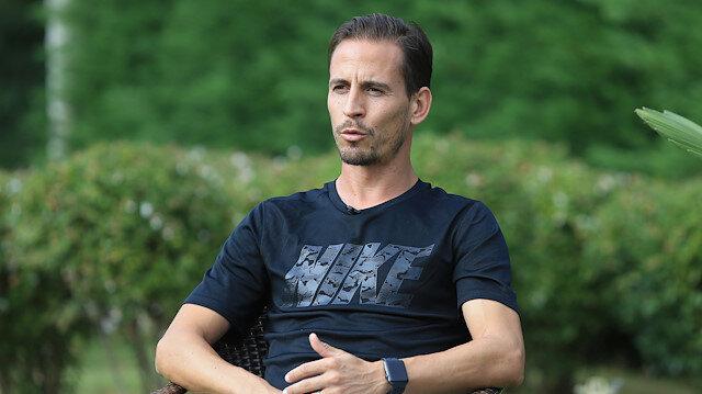 34 yaşındaki Pereira bu sezon Trabzospor formasıyla çıktığı 10 lig maçında 4 asist kaydetti.