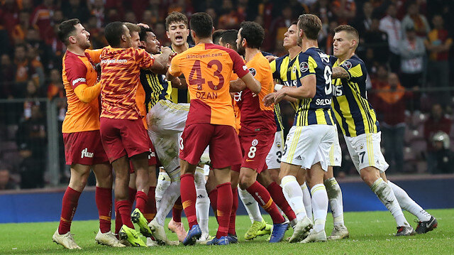 2-2 biten derbi sonrası iki takımın futbolcuları kavga etmişti.
