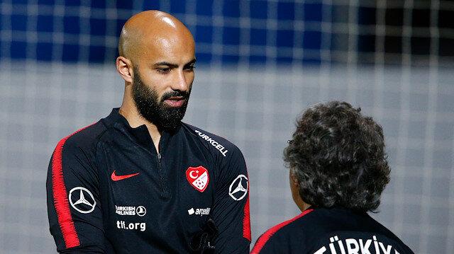 Sinan Bolat daha önce Türkiye'de Kayserispor ve Galatasaray formalarını giymişti.