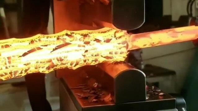 25 tonluk basınçla çeliği bükmek