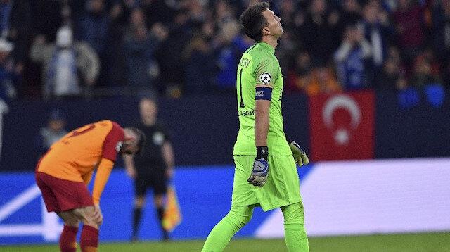 Şampiyonlar Ligi'nde Galatasaray deplasmanda Schalke ile karşılaştı. Maçtan 2-0 mağlup ayrılan sarı kırmızılı takım gruptan çıkma şansını zora soktu