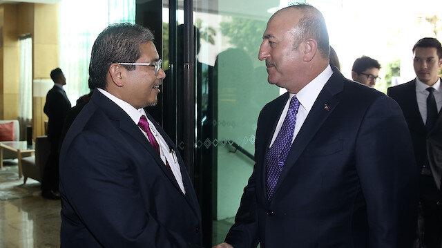 وزير الخارجية التركي في زيارة لسلطنة بروناي