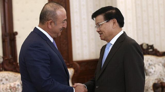 وزير الخارجية التركي ورئيس وزراء لاوس