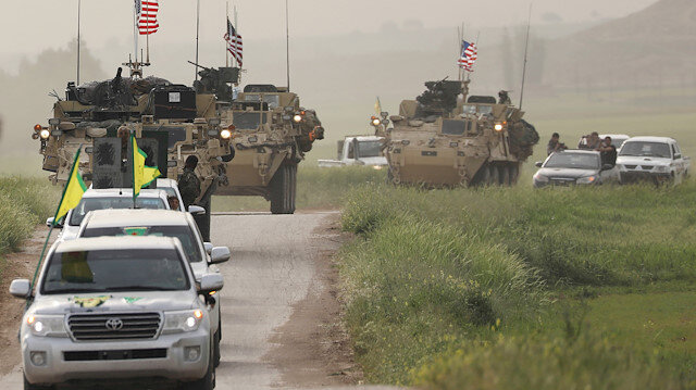 The YPG headd a convoy of U.S military vehicles in the town of Darbasiya next to the Turkish border, Syria April 28, 2017.