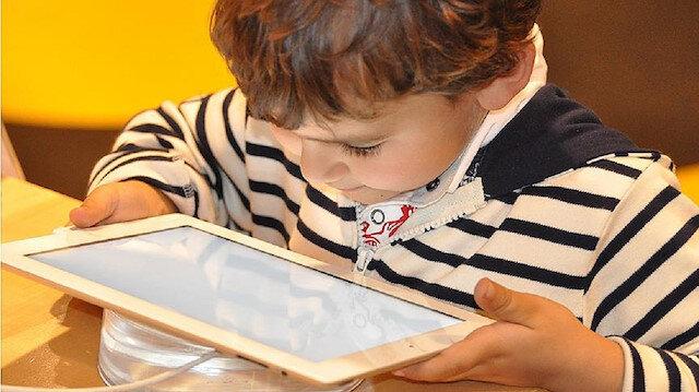 Teknoloji bağımlılığında annelere büyük görev düşüyor.