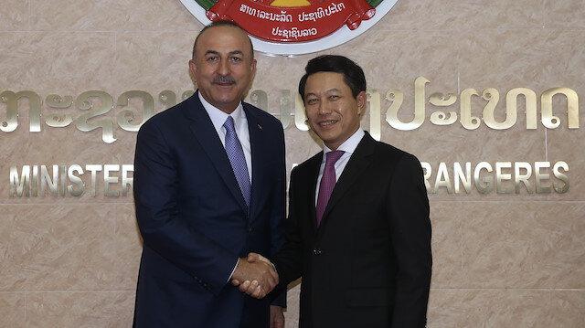 وزير الخارجية التركي ونظيره في جمهورية لاوس