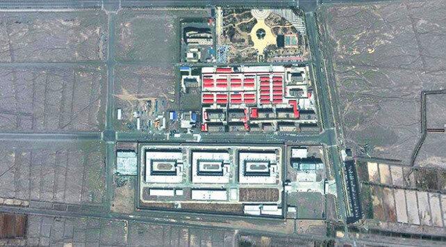 مركز اعتقال صيني في تركستان الشرقية رصدته الأقمار الصناعية