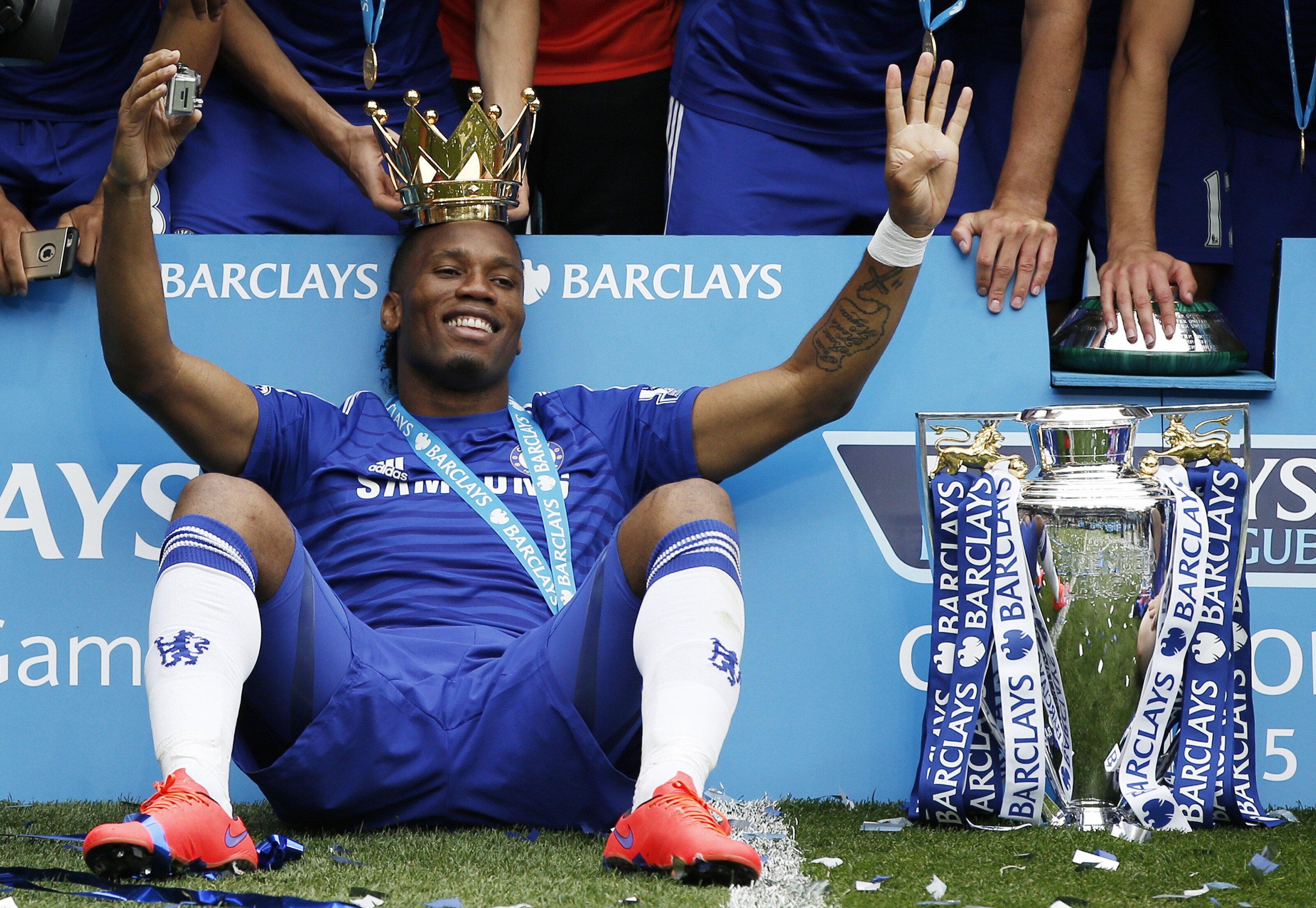 Didier Drogba efsaneleştiği Chelsea formasıyla İngiltere'de tam 13 tane kupa kaldırma sevinci yaşadı.