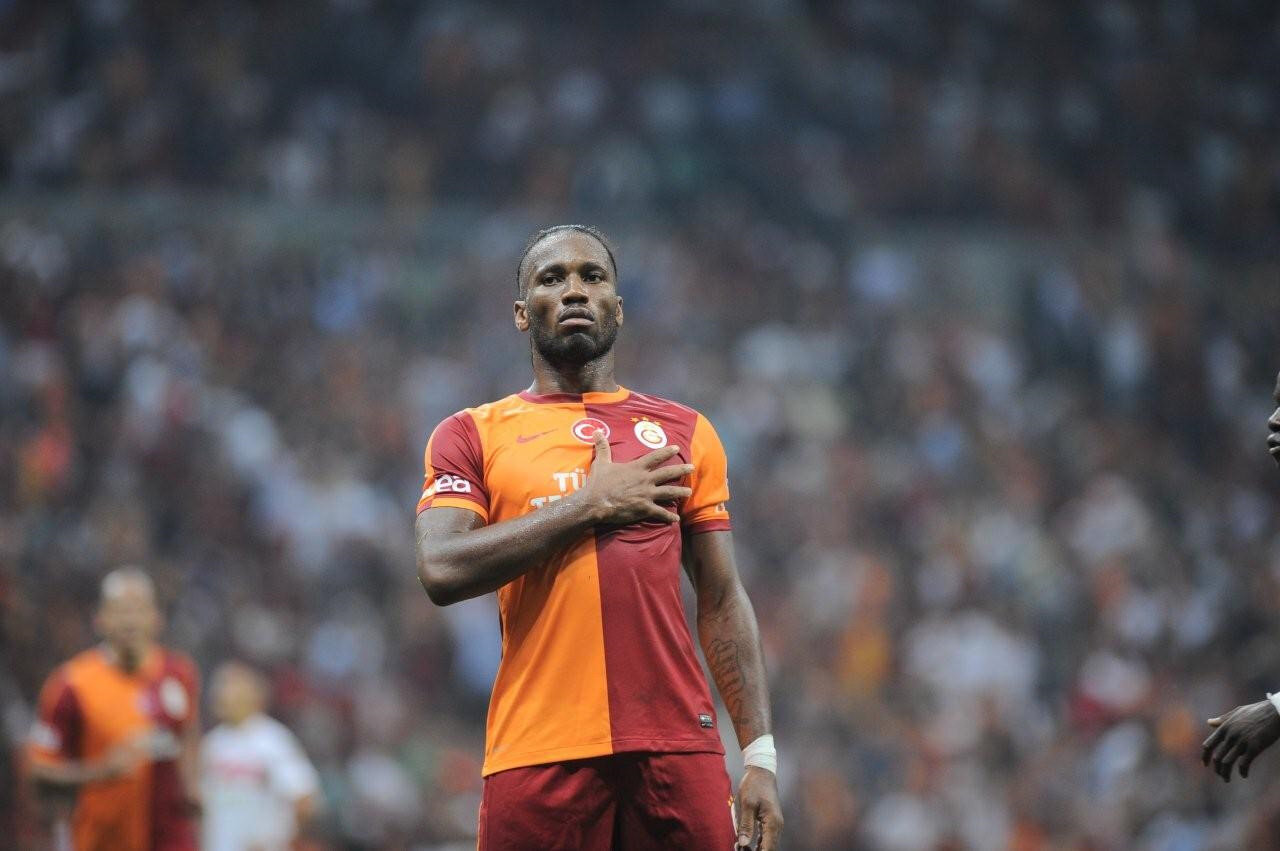 Türk futbolseverlerin büyük beğenisini kazanan Didier Drogba, sarı-kırmızılı formayla sahaya çıktığı 53 resmi karşılaşmada 20 kez fileleri havalandırırken 13 asist yaptı.