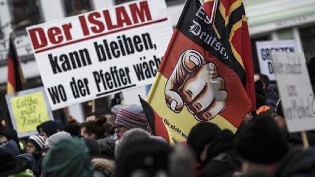 Her dört Almandan biri ırkçı