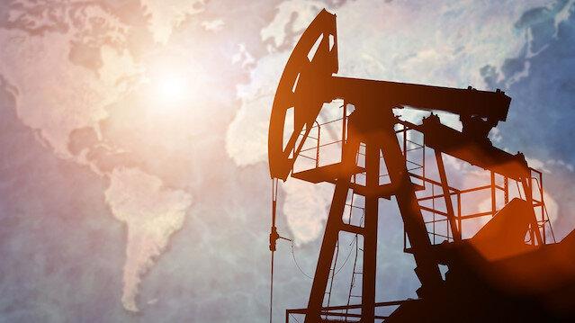 ABD'nin İran'a yönelik yaptırımlarında 8 ülkeye muafiyet tanıması petrol fiyatlarının düşmesine yol açtı.