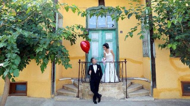 Özensiz çekilen düğün fotoğrafları için 4 bin 625 lira tazminat alacaklar.