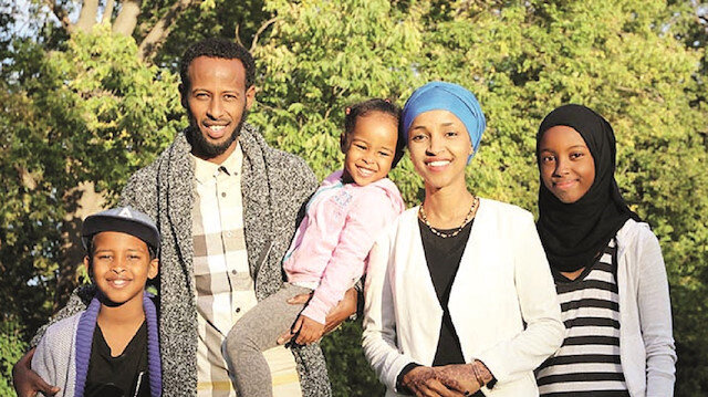 Ilhan Omer ve ailesi.