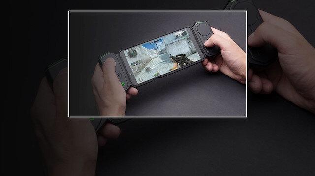 Xiaomi Black Shark'ın Game Pad aksesuarıyla oyun oynamak daha eğlenceli bir hal alıyor.