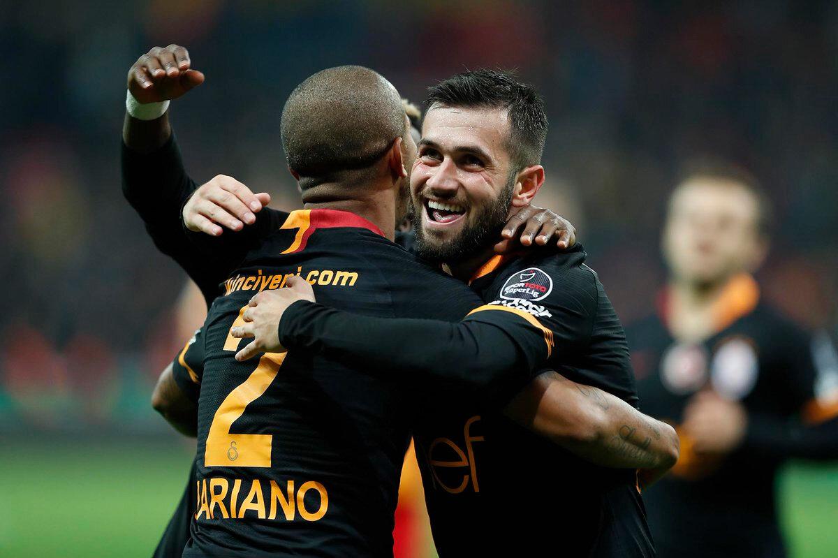 Ömer Bayram, Galatasaray formasıyla ilk golünü Kayserispor'a attı.