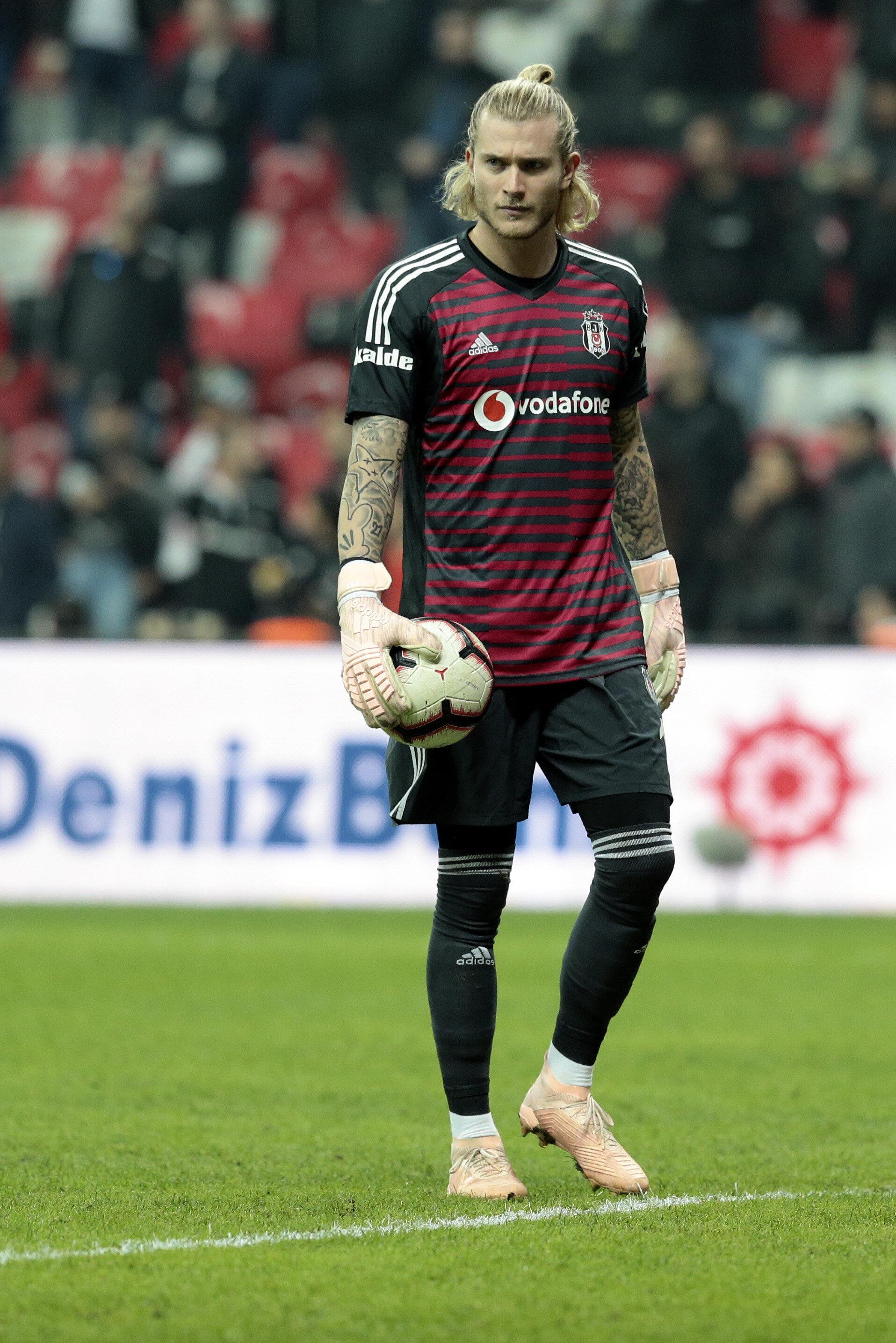 Son haftalarda yediği gollerden dolayı eleştiri oklarının hedefinde olan Loris Karius, Genk karşısında formayı Tolga Zengin'e kaptırmıştı.
