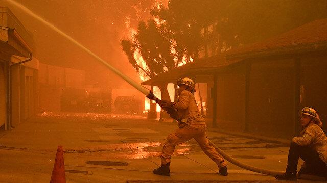 250 bin kişiye tahliye emri verildi: Kaliforniya'daki yangın 9 can aldı