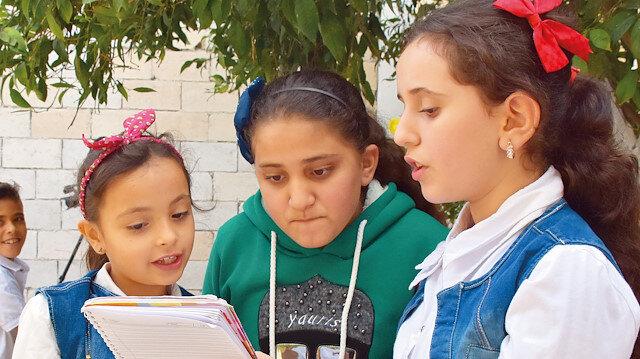 İlk etapta 80 çocuk Türkçe öğrenmeye başladı.
