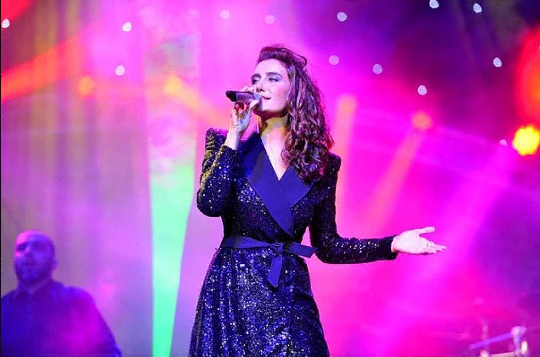 Sıla'nın 'boş ev' isimli şarkıyı daha önce konserinde seslendirdiği ortaya çıktı.