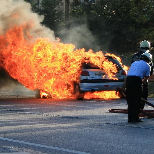 Kesilen cezaya kızdı: Aracını ateşe verdi