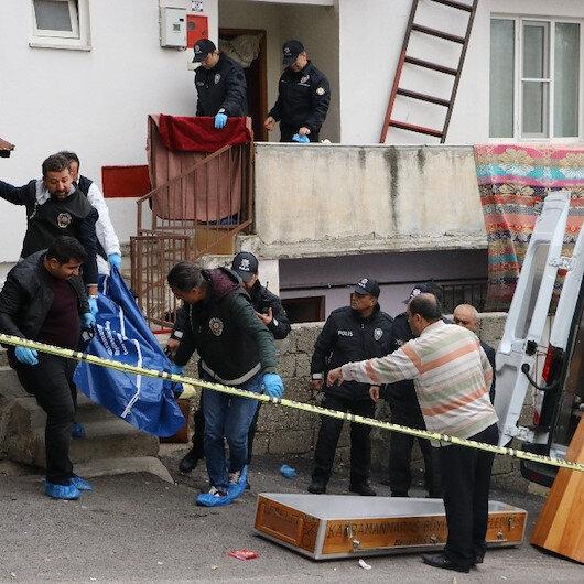 Çocuklarının gözleri önünde 3 kişiyi öldürdü