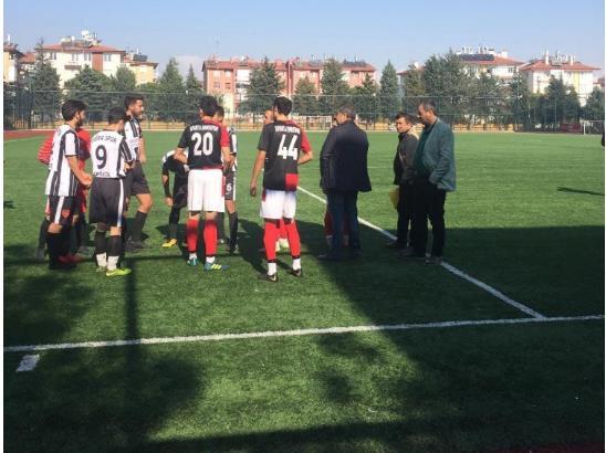 Oyuncu sayısı 6'ya düşen Tuğraspor hükmen yenik sayıldı.