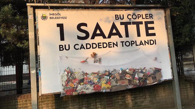 Dikkat çekici bir farkındalık çalışması: Çöpler file içinde billboard'a asıldı