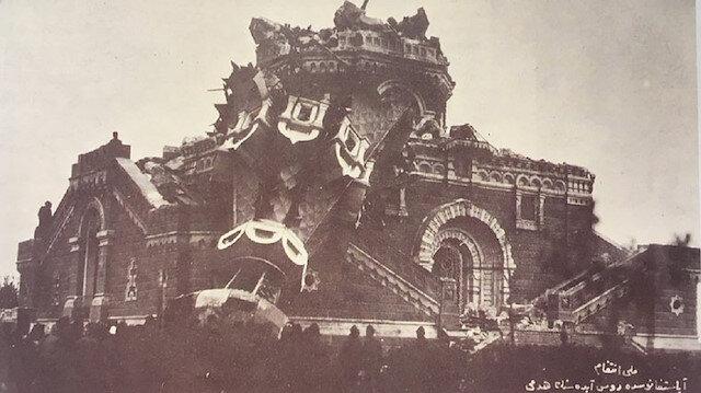 Ayastefanos'taki Rus Abidesinin Yıkılışı