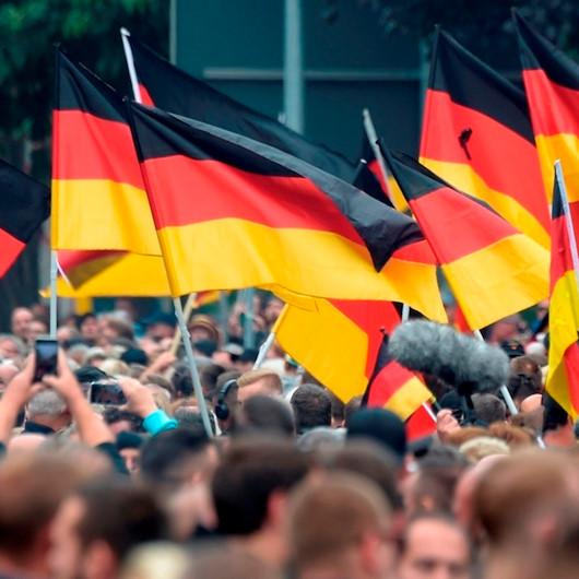 Almanya'da ırkçılar terör estiriyor