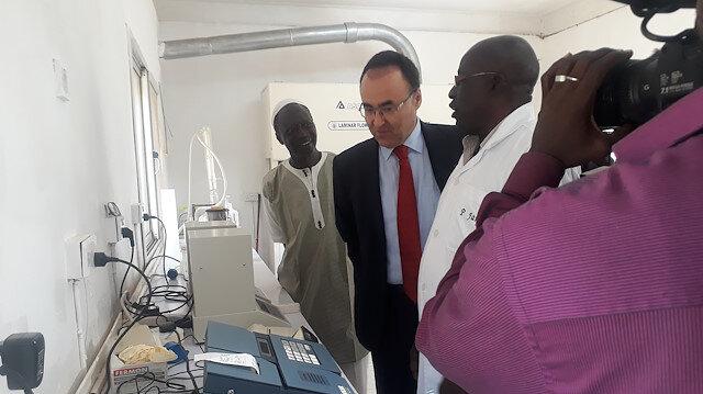 تيكا التركية تقدم معدات تقنية لغامبيا