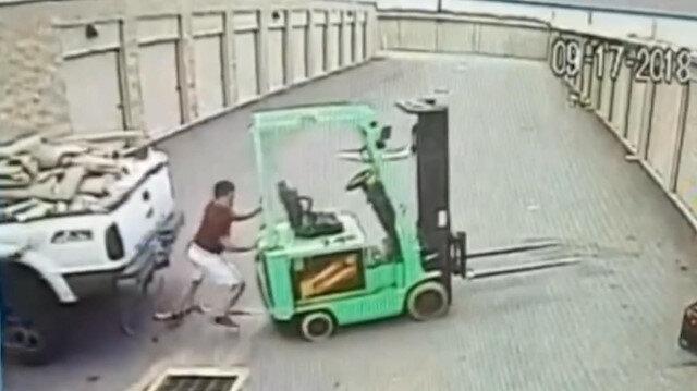 Çarpmayı engellemek isterken araçların arasında ezildi