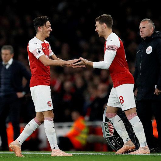 Robson: Ramsey'nin gidiş nedeni Mesut Özil
