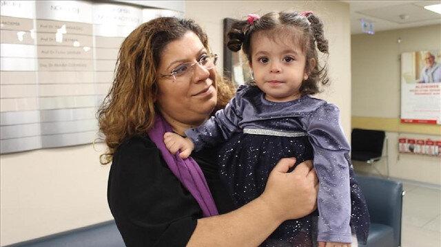 Prematüre bebek şant ameliyatıyla hayata tutundu