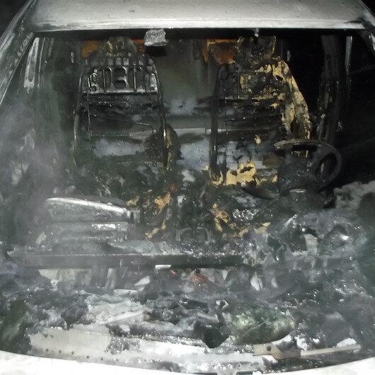 Refüje çarpan araç cayır cayır yandı