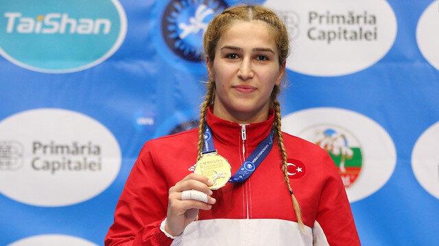 ذهبية لتركيا في بطولة العالم للمصارعة سيدات