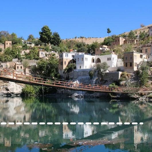 """""""هلفتي"""" التركية.. جنة السياح في الخريف"""
