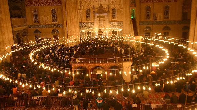 Selimiye Camii Mevlit Kandili'nde doldu taştı