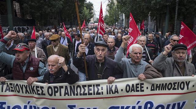 اليونان.. آلاف المتقاعدين يتظاهرون لإعادة المبالغ المستقطعة من رواتبهم