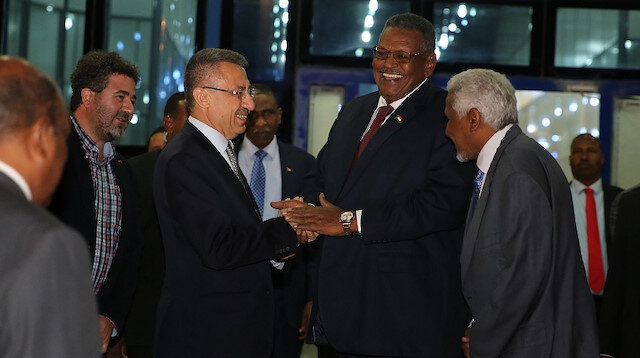 نائب الرئيس التركي يصل الخرطوم في زيارة رسمية