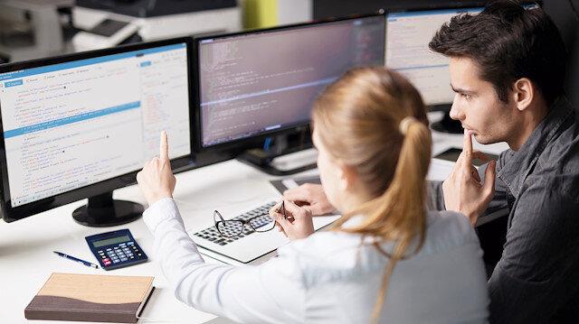 ERP yazılımındaki yabancı hegamonyası, yerli yazılım şirketlerini rekabet etme konusunda zorluyor.