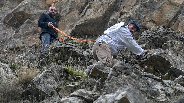 'Kaya balı'na ulaşmak için tehlikeyi göze alıyorlar