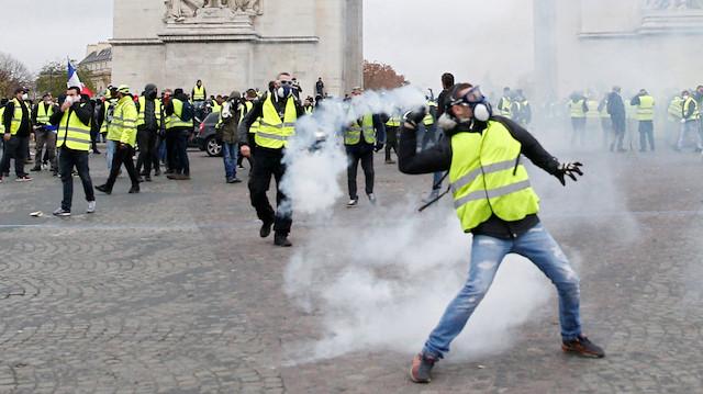 Fransa yeniden karıştı