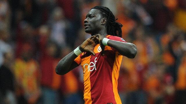 Gomis, kariyerinin en iyi dönemini geçirdiği Galatasaray'da geçen sezon ligin ilk 14 maçında 13 kez topu filelerle buluştururken, bu sezonki forvetler Eren Derdiyok, Henry Onyekuru ve Sinan Gümüş aynı sürede 9 gol atabildi.